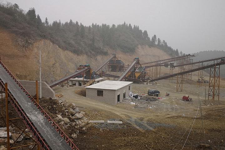 湖北咸宁时产500-600吨石灰石破碎生产线